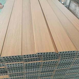 Co-extrusion decking has become the mainstream in the market